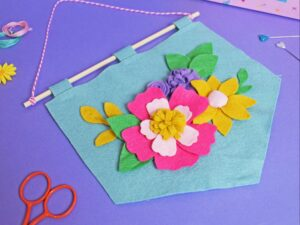 SPRING FLOWER BANNER FELT CRAFT KIT