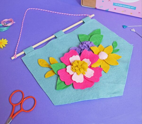 SPRING FLOWER BANNER FELT CRAFT KIT