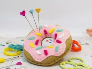 'SWEET DOUGHNUT' PIN CUSHION SEWING KIT